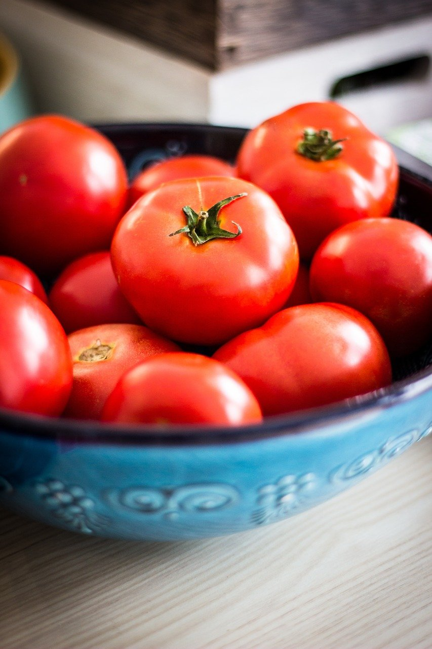 Miska s rajčaty