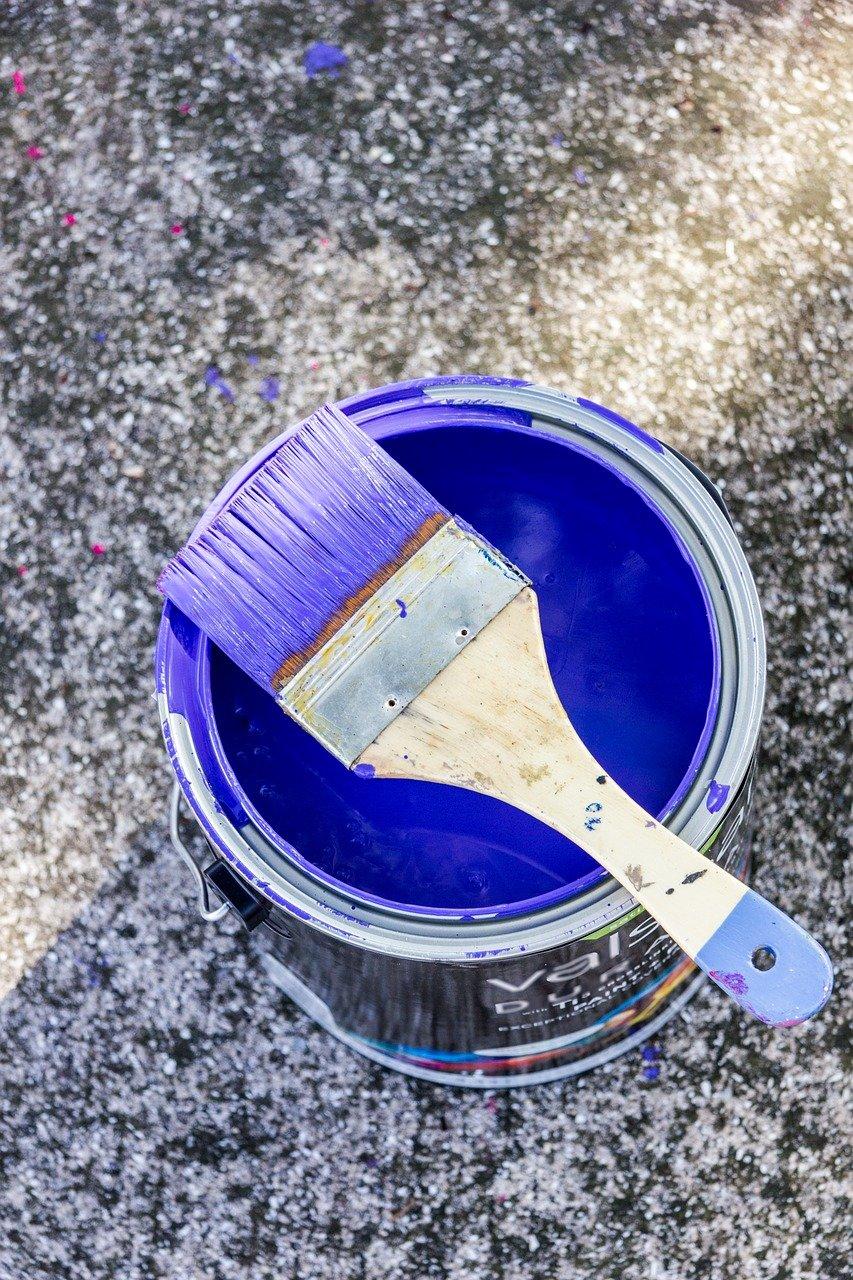Modrá barva jde do módy