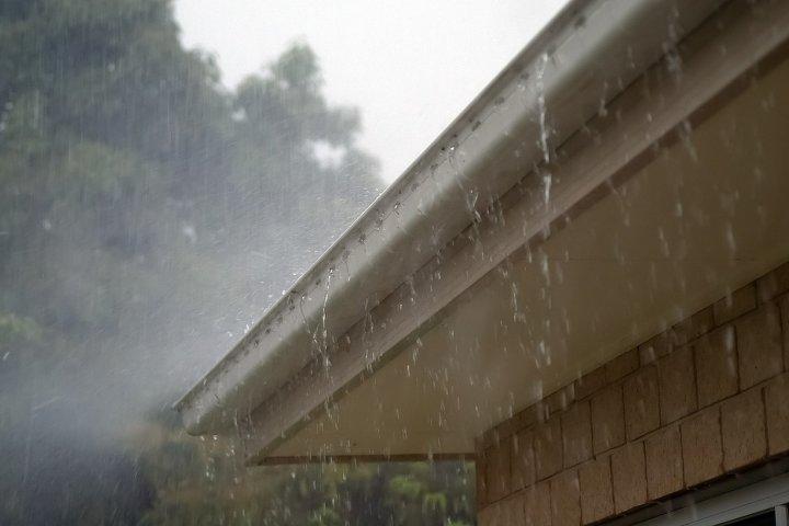 Jak vybrat okapy na střechu vašeho domu