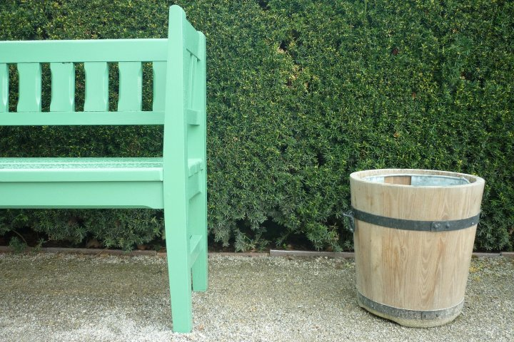 Renovace staré zahradní lavičky