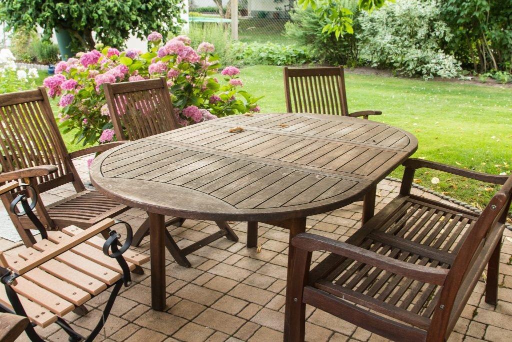 Solidní zahradní nábytek