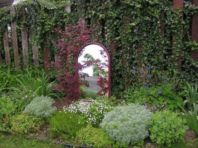 Zrcadlo v zeleni