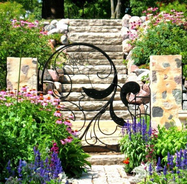 Kovaná zahradní branka